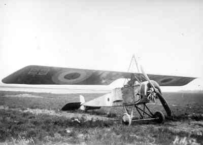 Morane L Parasol nr. 1845 op Soesterberg. Rechts voor. Geïnterneerd te Schore 22 jan. 1915. Vlieger lt. A.J. Evans van RFC no. 3 Sq. LVA reg. LA35.