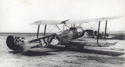 Sopwith Hanriot I B.1 (1½Strutter) LA45. Ex 115 Armée de l' Air, december 1917. Op de achtergrond een Albatros C.X.