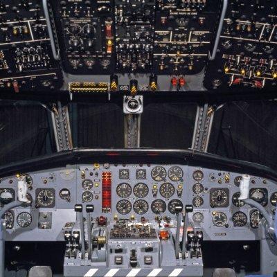 De cockpit van een Breguet BR1150 Atlantic (SP-13A) maritiem patrouillevliegtuig (1969-1984).