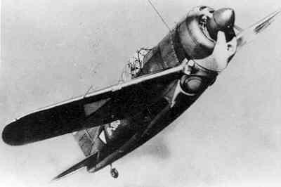 Brewster Buffalo jachtvliegtuig van het Koninklijk Nederlands-Indisch Leger (ML-KNIL) in stijgvlucht,  B-3119.