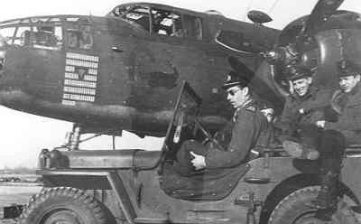 Personeel 320 (Dutch) squadrom, uitgerust met Mitchell bommenwerpers, UK-1941-1945.