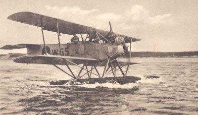Het marinevliegkamp de Mok met een  Van Berkel WA-drijververkenner, regnr W 65(1920-1933)