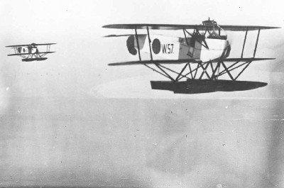 Van Berkel WA lichte verkenningsvliegtuigen op drijvers (1919-1933) w.o. W-57, boven zee, vóór 1921-07-01
