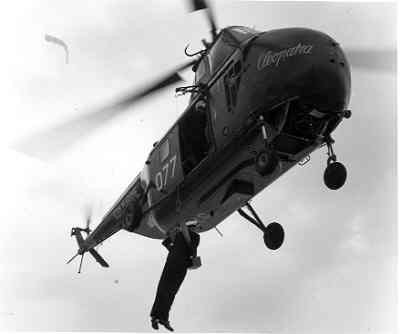 Sikorsky HO4S-3 (UH- 19F)  H-3 (1953-1962) Air Sea Rescue helikopter met nieuwe registratienummer 077.