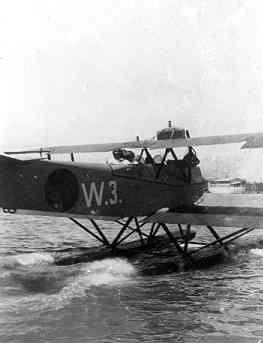 Verkenningsvliegtuig Van Berkel WA (W-3) (1919-1933) in de haven