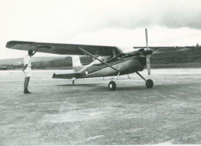 Cessna 180C werd in juni 1962 enkele dagen door de Nederlandse strijdkrachten in Nederlands Nieuw-Guinea ingezet voor zaken die op dat moment het daglicht niet konden verdragen. Het toestel was geleend van een missiepost, van registratie ontdaan en van een rozet voorzien.