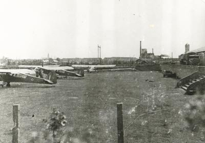 The emergency airstrip at Hoekwaterstraat in Voorburg with a number of Austers of 6 (Dutch) Auster Squadron.