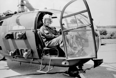 Drie verschillende opnames van gewondentransport per Alouette III.