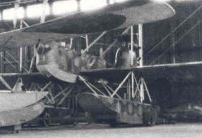 Torpedovliegtuig op drijvers Gotha WD 11, geïnterneerd te Veere, 1917. Kenteken M-1, nooit operationeel geweest