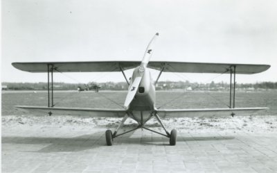 Bücker Bü 131 Jungmann, reg. 75. Vooraanzicht.