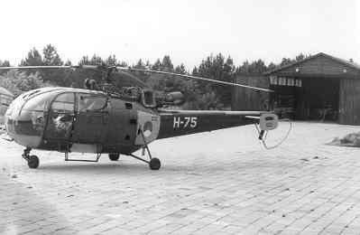 SAR-Alouette III (registratie H-75), geparkeerd op Soesterberg.