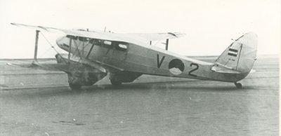 De Havilland Dominie met registratie V-2  Zeeland.