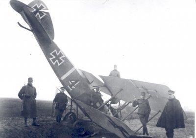 Albatros C.VII, registratie 1362/16, bij Hulst op13 maart 1918. Werd  daarna door Nederland geregistreerd als AL435.