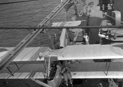 Van Berkel WA lichte verkenner op drijvers (1919-1933), aan boord van een kruiser