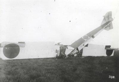 Gotha G.IV LA50, ex 1055/16. Neergestort ten gevolge van motorstoring in de start op de eerste proefvlucht, 18 okt. 1917. Elt.vl. F.A. van Heijst, elt.vl. W.P. van den Abeelen, sgt.ll.vl. G.H. Bannink.