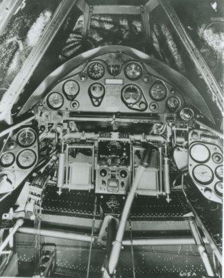 Cockpit van een Brewster Buffalo, éénmotorig jachtvliegtuig van het Koninklijk Nederlands-Indisch Leger (ML-KNIL).
