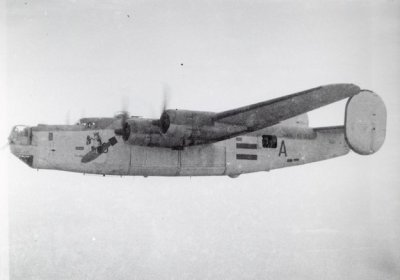 Maritieme patrouillebommenwerper Consolidated B-24J Liberator Mk. GR VI, toestel A (1944-1946) van het 321 Squadron op Cocos Island