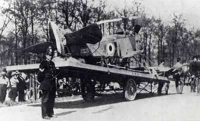 Jachtvliegtuig Sopwith Baby Seaplane T-1 (1916-1919) op transport na internering in 1916