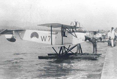 Van Berkel WA lichte verkenningsvliegtuigen met drijvers  (1919-1933) te Rima, Nederlands-Indië