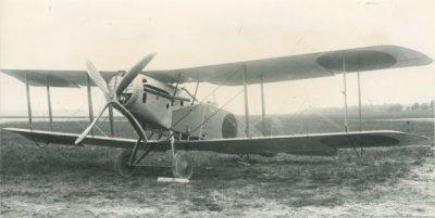 Bristol F.2B BR401, ex-B1124. Met oranje bollen.