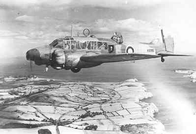 Kustverkenner AVRO 625A ANSON MK.1 (1940-1942)  van VSQ 321  in Engeland