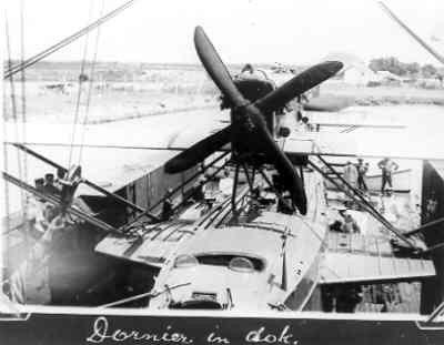 Maritieme patrouillevliegboot Dornier Wal (1926-1940) in een vliegtuigdok.