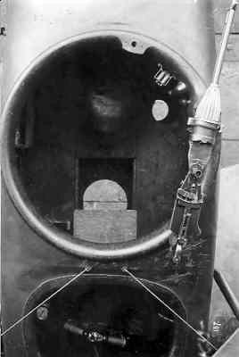 Hannover CL.II HAN416 ex-13180/17. Bovenaanzicht waarnemerscockpit met mitrailleur.