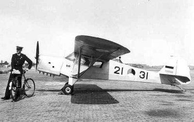 Taylorcraft Auster Mk.III (1948-1954),  Auster 21-31  op MVKV met Ltzv 20c W.P.Versteeg