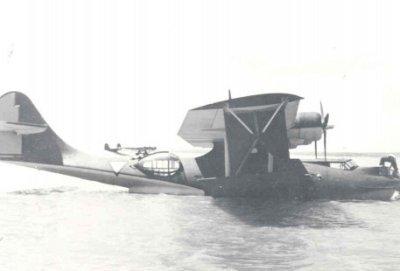 Consolidated PBY-5 Catalina (Y-38) (1941-1946) na aankomst te Soerabya 1941