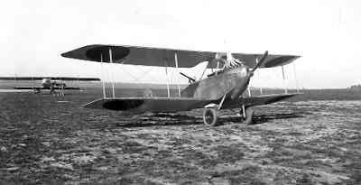 Rumpler C.Ia LA49, ex 968/17, op Soesterberg najaar 1917. Later reg. R409. Met oranje bollen. Op de achtergrond links een Farman HF.22.