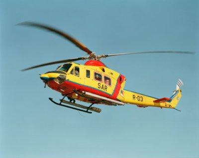 Een Agusta Bell in de vlucht.