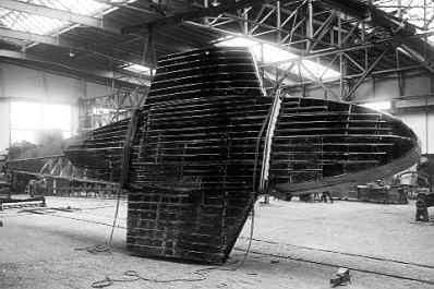 Maritieme patrouillevliegboot Dornier Wal in aanbouw (1926-1940). Bootromp onderzijde