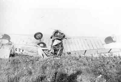 AVRO 504K na een vlieongeval met C.C. Kupfer Lt van LA/KNIL.