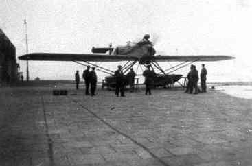 """Verkenningsvliegtuig Van Berkel WB  MVK De Mok. Van Berkel WB eendekker ter demonstratie op De Mok. Draagt opschrift """"Van Berkel"""" ter weerzijden van de romp"""