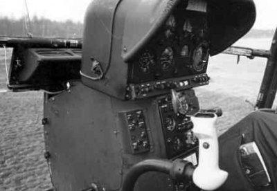Cockpit van een Alouette II.