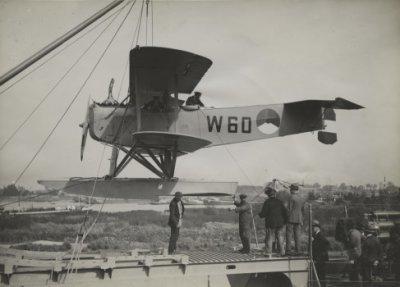 Verkenningsvliegtuig Van Berkel WA, W-60 (1919-1933) Beproeven a/b Hr.Ms.Evertsen bij Burgerhout