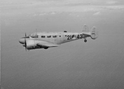 Beechcraft 21-43 lesvliegtuig voor luchtnavigatie