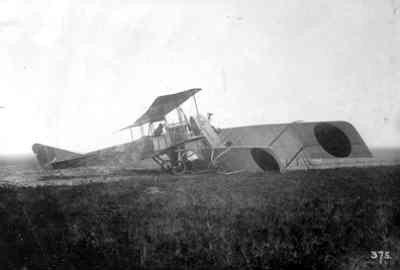Albatros B.II botste op 17 november 1917 tegen een Farman K4. De Farman werd afgeschreven.