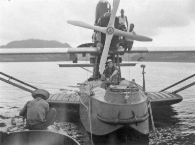 Met een Dornier Wal maritieme patrouillevliegboot (1926-1940) op oefening in het gebied van de Floriszee in 1934.