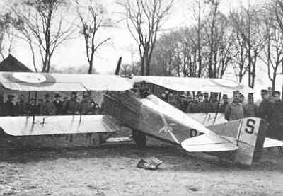 Op 18 november landde kwartiermeester (Maréchal de logis) Louis Paoli van het franse escadrille SPA73 met zijn SPAD S.7 C.1 nr. 1832 bij Bergen op Zoom. Het toestel werd aangekocht en bij de LVA gebruikt met de registratie SPA210.