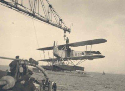 Verkenningsvliegtuig Van Berkel WA (W-70) (1919-1933) aan boord Hr.Ms. Jacob van Heemskerck