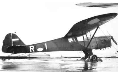 Auster AOP Mk.3 aan boord van de eerste Karel Doorman.
