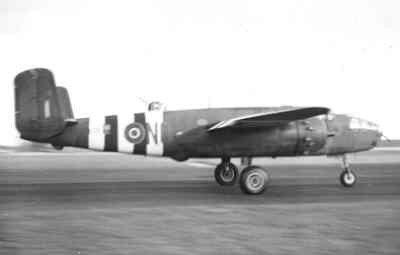 Middelzware bommenwerper North American B-25C  Mitchell   (1943-1945),  van VSQ 320 in de start