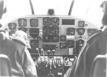 Beech SNB-5 (085) (1953-1974) lesvliegtuig voor luchtnavigatie. De cockpit