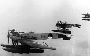 Verkenningsvliegtuig Van Berkel WB (1921-1933) in formatie met v.Berkel WA,s
