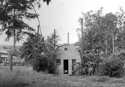 Beeldbank nederlands instituut voor militaire historie munitienis vroeger opslag kleine - Kleine ijdelheid eenheid ...