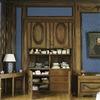 Interieur, overzicht van de open ingebouwde kast met schuifdeuren en ladenkastin de eetkamer