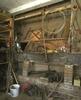 Interieur, paardenstal, ingedeeld als werkplaats