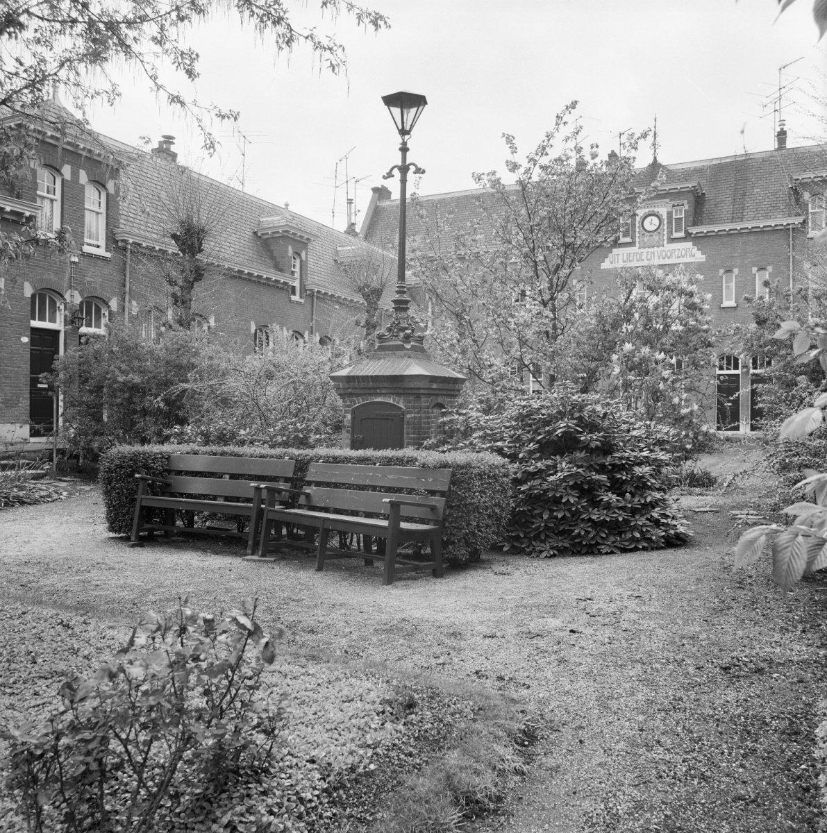 Hofje uit liefde en voorzorg in rotterdam monument for De lantaarn rotterdam