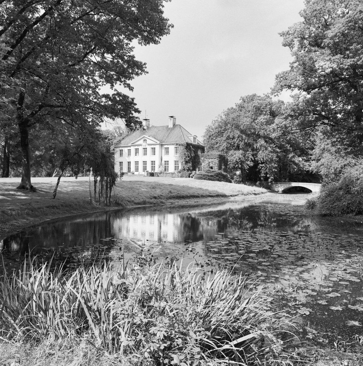 Soeterbeek drie bruggen in nuenen monument for Huis en tuin nuenen